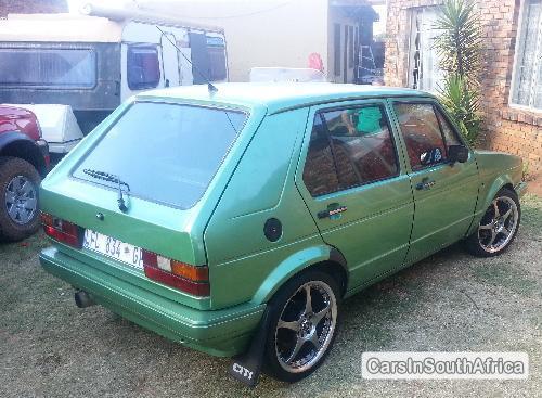 Volkswagen Golf Manual 2000 in Gauteng
