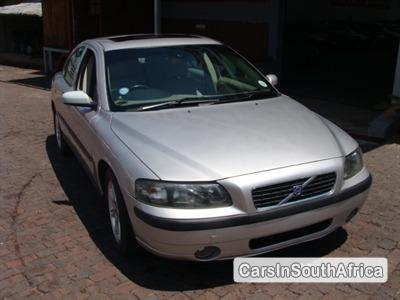Pictures of Volvo S60 2004