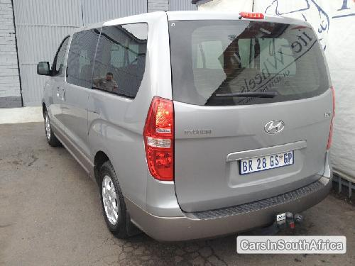 Picture of Hyundai H-1 2012