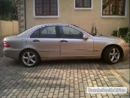 Pictures of Mercedes Benz 200 Series 2002