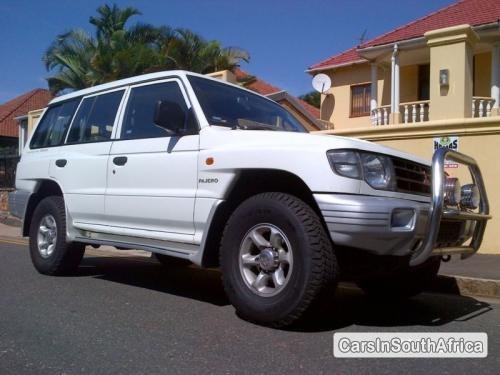 Picture of Mitsubishi Pajero Manual 1999