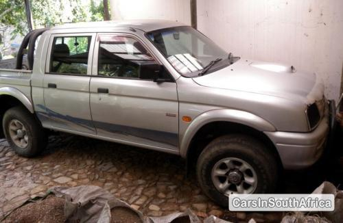 Pictures of Mitsubishi Colt Manual 2001
