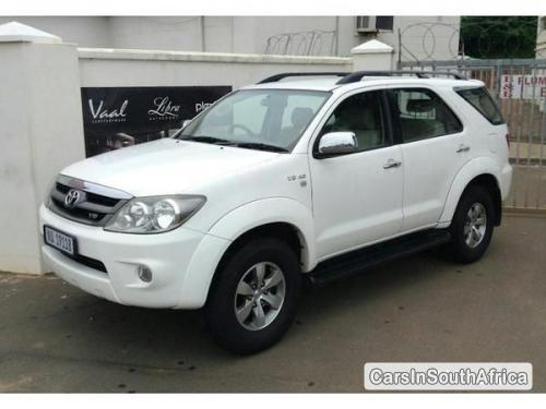 Pictures of Toyota Fortuner Manual 2006