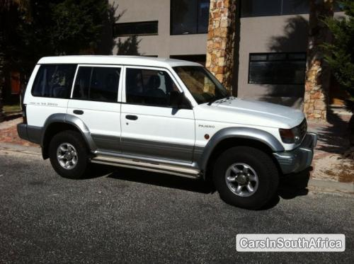 Picture of Mitsubishi Pajero Manual 1998