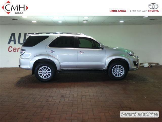 Pictures of Toyota Fortuner Automatic 2012
