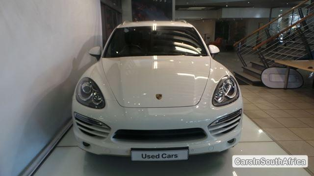 Pictures of Porsche Cayenne Automatic 2011
