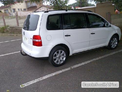 Volkswagen Touran 2005 - image 2