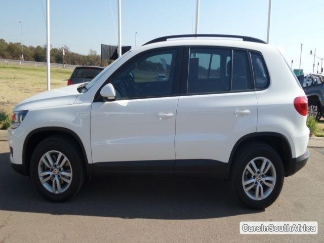 Pictures of Volkswagen Tiguan Manual 2012