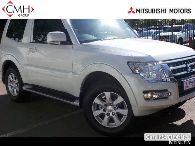 Pictures of Mitsubishi Pajero Automatic 2015
