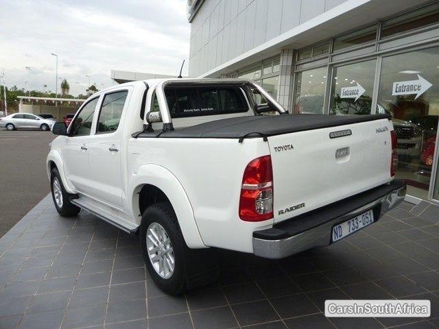 Toyota Hilux Manual 2012 in KwaZulu Natal