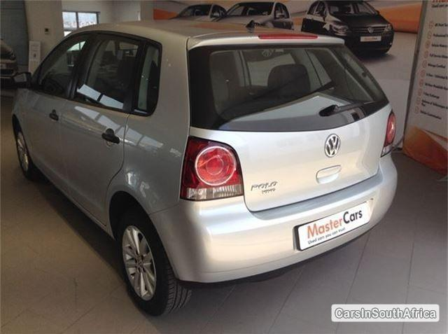 Volkswagen Polo Automatic 2014 - image 3