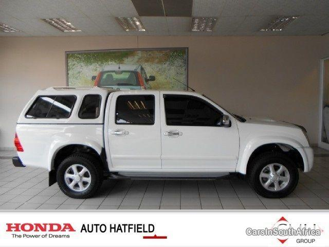 Pictures of Isuzu KB Series Automatic 2010