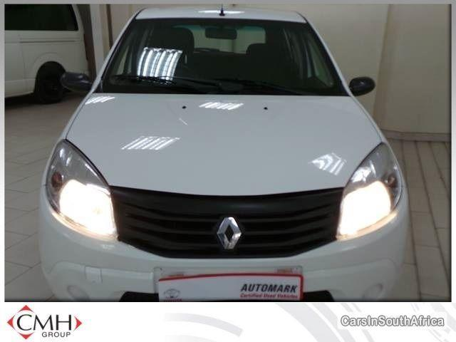 Picture of Renault Sandero Manual 2010