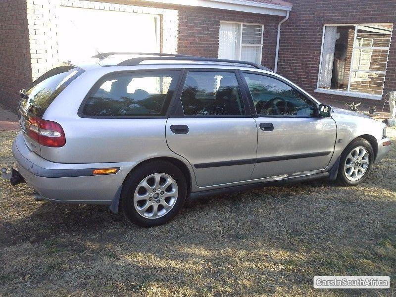 Picture of Volvo V40 Manual 2000