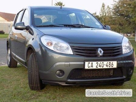 Picture of Renault Sandero Manual 2013