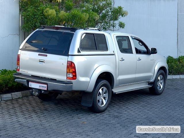 Toyota Hilux Manual 2010 in Western Cape