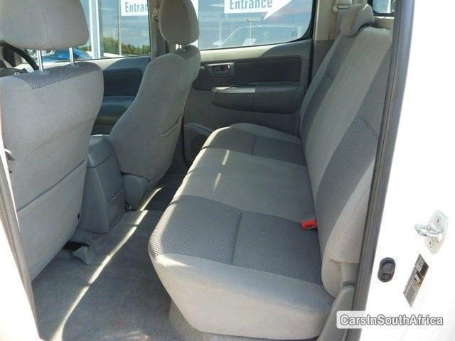 Toyota Hilux Manual 2011 - image 6
