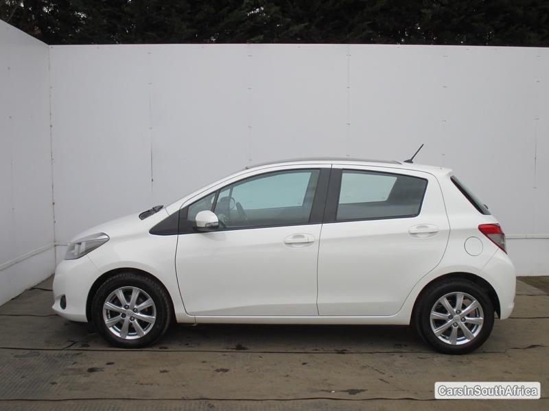 Picture of Toyota Yaris Manual 2012